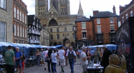 Lincoln's Castle Hill Antiques Market Returns for 2015 – Book Your Stand