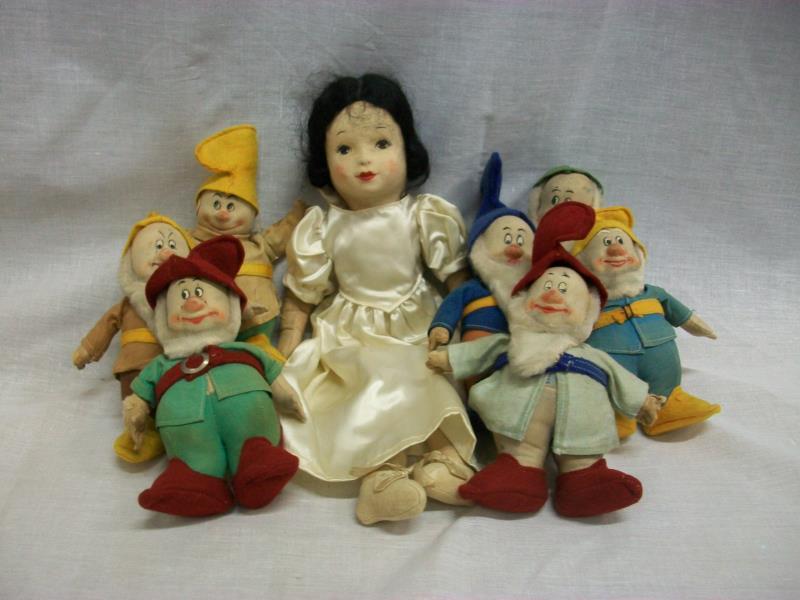Chad Valley Snow White & Seven Dwarfs Set
