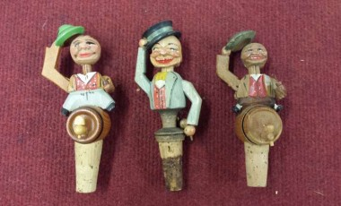 Delightful Collection of Vintage Wood Cork Wine Bottle Stoppers and Mechanical Stoppers