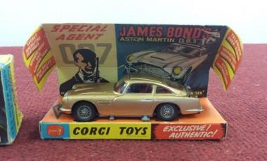 Boxed Matchbox & Corgi Collection including Green Hornet and James Bond