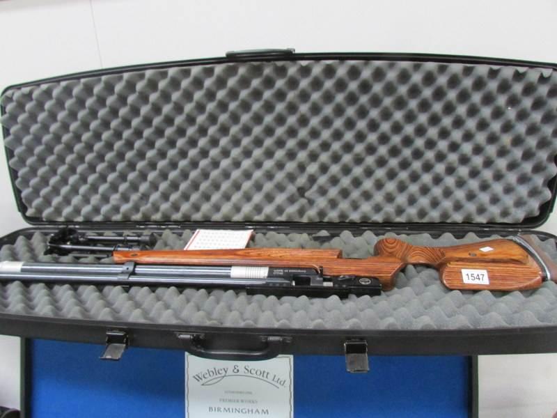 An Air Arms RN10 compressed air system rifle, Cal. 4.5mm, Maximum pressure 200 bar, Made in UK