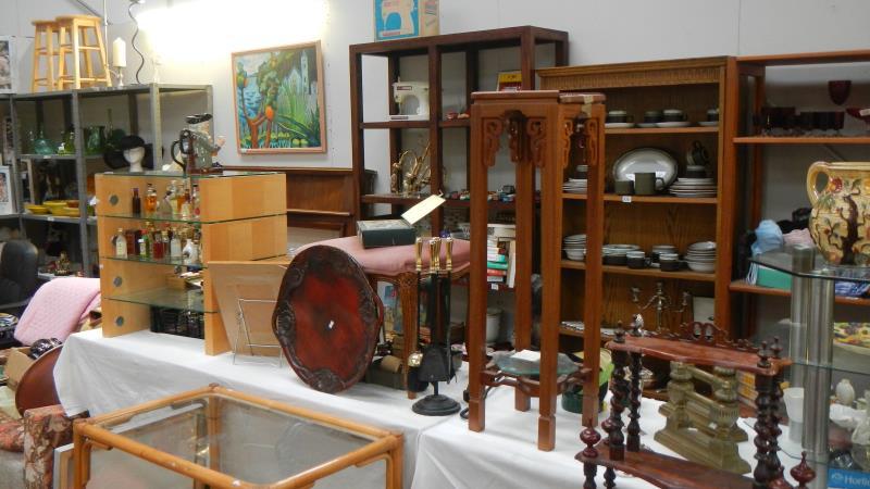 Antiques Collectors & General Auction