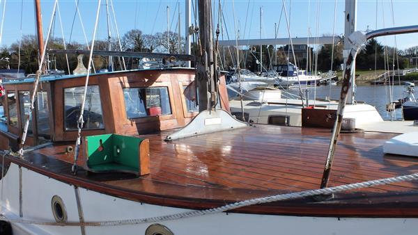 caretta boat