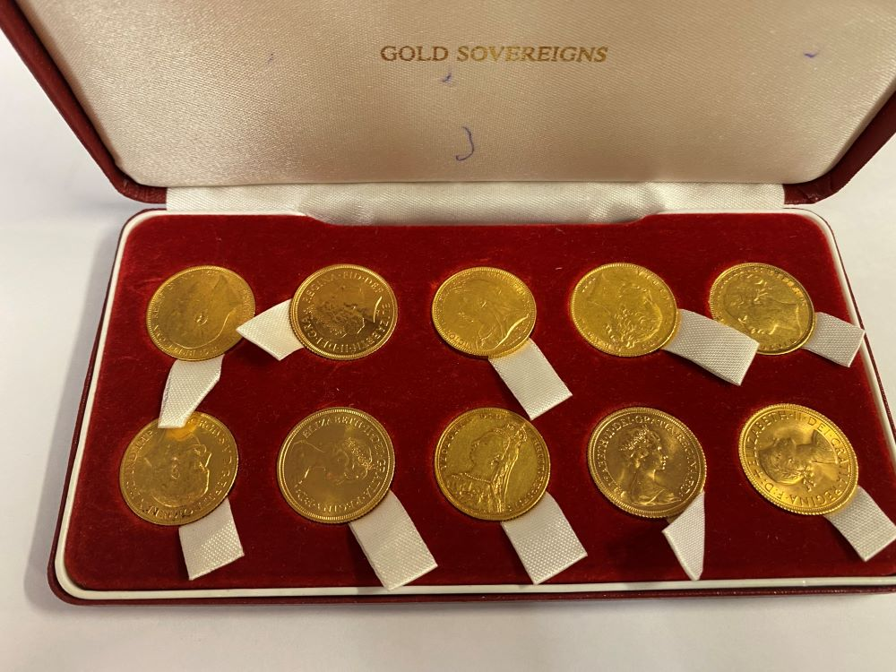 10 gold sovereigns various dates