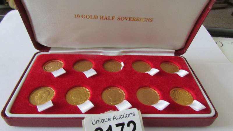 10 gold sovereigns