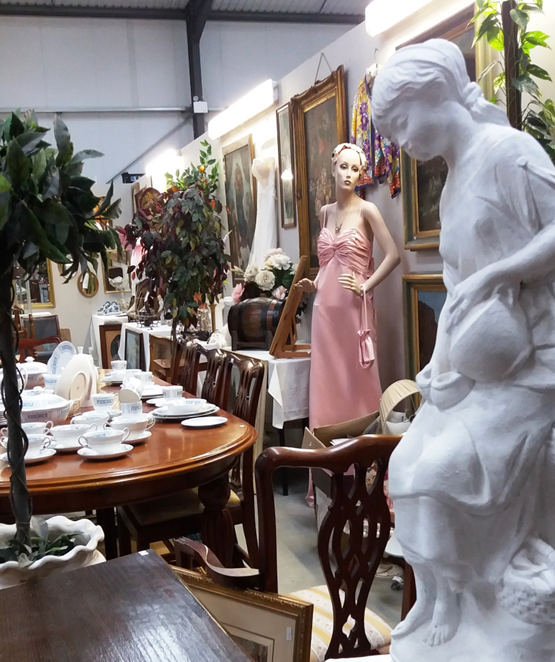 Wednesday Evening Antique and Collectors Auctions